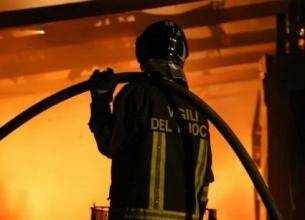 re_camion_incendiati_a_Nocera_Inferiore